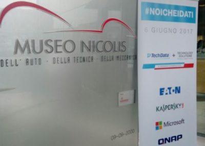 nicolis-noiche